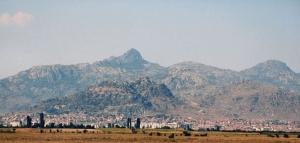 Varoš au pied de la montagne.