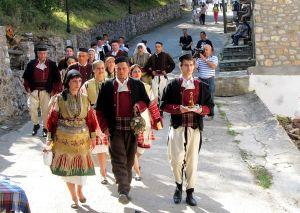 Традиционални_облеки_за_галичката_свадба