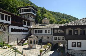 Monastery_St._John_Bigorski_(by_Pudelek)_3