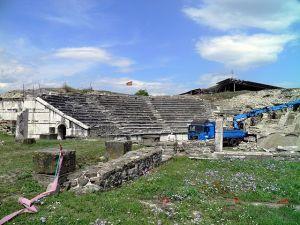 640px-Roman_Theatre,_Stobi_(7357791102)