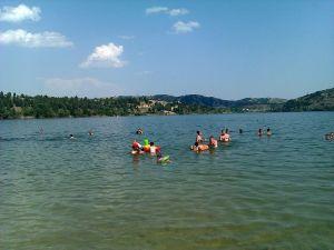 Велешко_Езеро_-Велес_Р._Македонија_,_Veles_Lake_-Veles_R,_of_Macedonia_-_panoramio